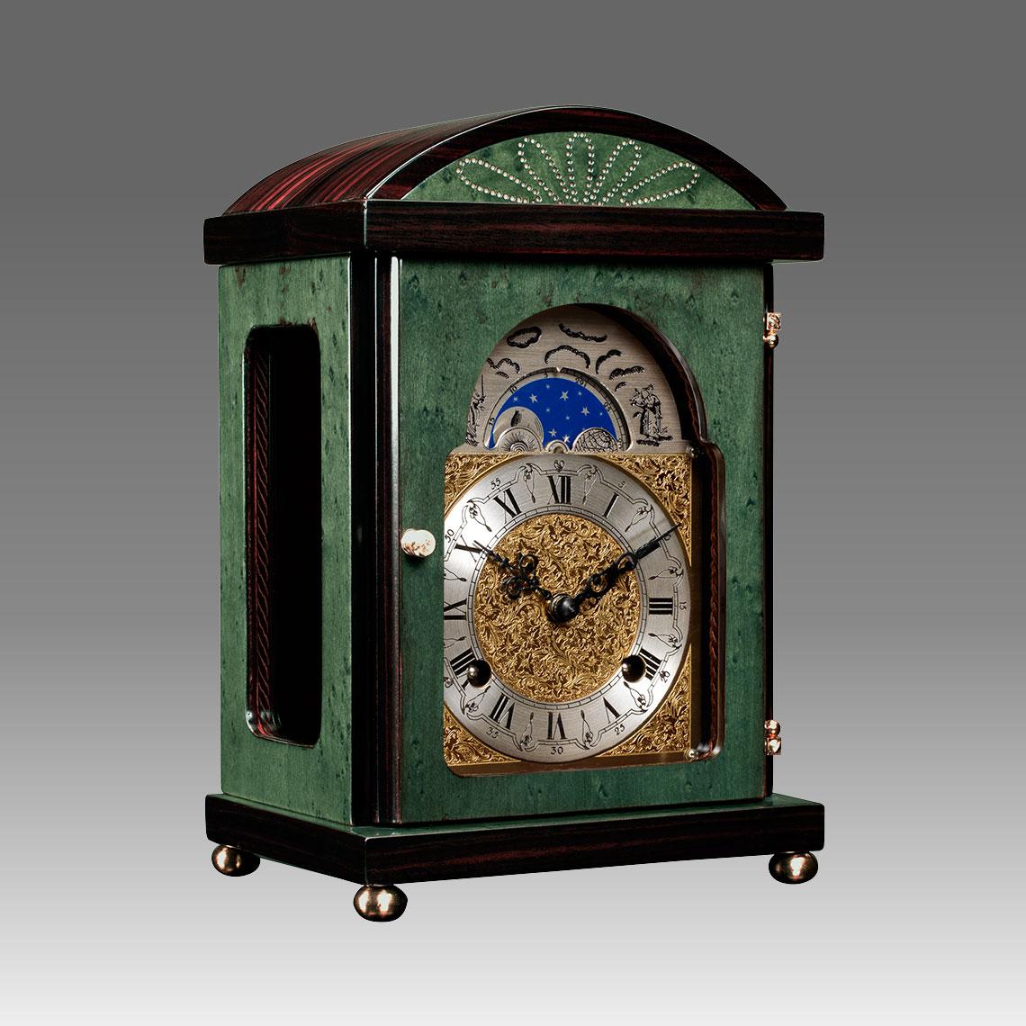 Mantel clock erable green wood for Consonni arredamenti